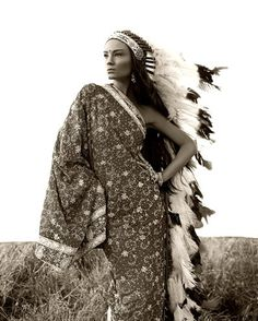 headdress. (Cultural Appropriation, Offensive, Historically & Culturally Inaccurate)