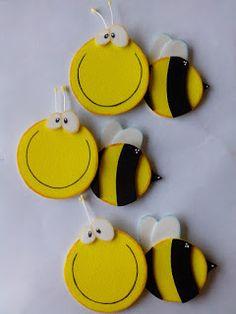 Herthal art's Kids Crafts, Foam Crafts, Diy And Crafts, Arts And Crafts, Paper Crafts, Bee Theme, Felt Patterns, Lol Dolls, Diy Hair Accessories
