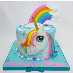 30 Sweet Ideas for a Party Unicorn Bolo Fondant, Fondant Cakes, Cupcake Cakes, Unicorne Cake, Cake Art, Birthday Cake Girls, Unicorn Birthday, Unicorn Party, Bolo My Little Pony