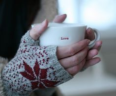 Cozy Morning Mitts. Fairisle pattern is simple yet striking. (can ask abie to do me a hand mitt)