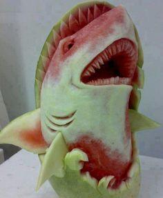 Fruit & Vegetable Carving - Watermelon Carving of shark - amazing detail work. Fruit Sculptures, Food Sculpture, Veggie Art, Fruit And Vegetable Carving, Veggie Food, Watermelon Art, Watermelon Carving, Carved Watermelon, Bonbon Fruit