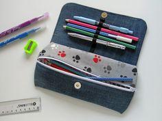 Nézz szét a Blogon! Részletes varrási útmutatókat találsz. Bago, Coin Purse, Farmer, Purses, Wallet, Sewing, School, Toll, Pencil Cases