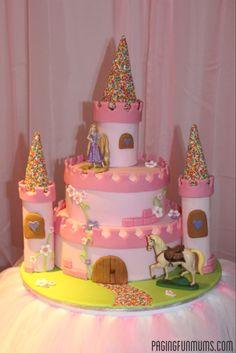 Step-by-step DIY Princess Castle Cake