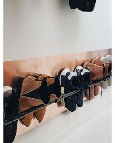 Clever Storage Ideas Gorgeous 35 Wall Mounted Shoe Storage Rack Ideas That Will Maximize Your Space Wall Mounted Shoe Storage, Shoe Storage Rack, Diy Shoe Rack, Wall Shoe Rack, Small Entry, Diy Garden Decor, Closet Organization, Organizing, Your Space