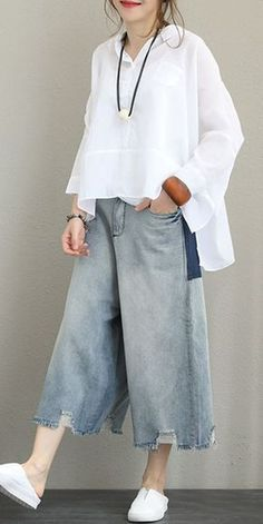 Loose Casual Cotton Shirt Women Blouse For Autumn Modest Fashion, Fashion Outfits, Womens Fashion, Look Street Style, Loose Shirts, Mode Hijab, White Shirts, Flare Pants, Look Fashion
