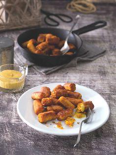 Chuťovka, která potěší i jako hlavní jídlo. V redakci špalíčky zmizely během okamžiku! Sausage, Meat, Food, Pineapple, Sausages, Essen, Meals, Yemek, Eten
