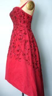 Red Silk, Fashion History, Vintage Fashion, Vienna Austria, Dress Red, Formal Dresses, Nifty, Beadwork, How To Wear