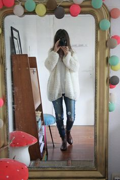 Le gros gilet blanc oversize - Lilly is Love Knitting Patterns Free, Free Knitting, Crochet Patterns, Knitting Tutorials, Lace Patterns, Loom Knitting, Stitch Patterns, Oversize Fashion, Crochet Cardigan