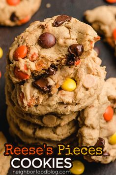 Forget the boring peanut butter cookies and embrace the soft and gooey Reese's Pieces Peanut Butter Cookies with Chocolate Chips that are perfect to bake on birthdays, holidays, or any special occasions! Chocolate Chip Cookies, Peanut Butter Cookies, Chocolate Chips, Reese's Pieces Cookies, Easy Dinner Recipes, Easy Meals, Brownie Recipes, Beef Recipes, Cafe Food