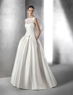 Zuar, original wedding dress, bateau neckline #rosaygris
