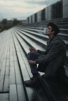 boy, smoke, and cigarette afbeelding