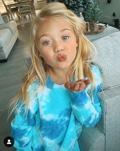 My best day ever💋 (Caption by Everleigh) Beautiful Little Girls, Cute Little Girls, Beautiful Children, Beautiful Babies, Cute Kids, Cute Babies, Fashion Kids, Girl Fashion, Preteen Girls Fashion