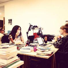 Myriam, Faustine et Mathilde en pleine réunion pour l'organisation de la soirée anniversaire des 1 an de ChEEk !