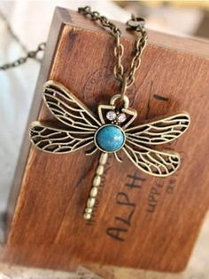 Dragonfly necklace is the coolest accessory one can carry! - cooliyo.com