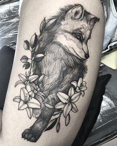 Tatuagem feita por @sandracunhaa 😍😍😍 Acompanhe o artista e acesse nosso site. www.tattoo2me.com