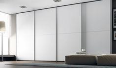 Armarios con gran capacidad de almacenaje. Puedes ver más en: http://www.ros1.com/es/catalogo/spazio