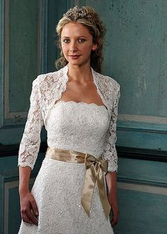 Three Quarters Length Sleeve Lace Bolero [WG1005] - $63.00 : LuxeBlue Quality Discount Wedding Dresses & Formal Gowns, Worlds leading supplier of affordable fashion for Wedding dresses, Bridal gowns and discount formal wear. Safe & Fast delivery world wide.