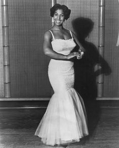 CLASSIC LADIES OF COLOR Thelma Gibson Towns is an actress, singer, dancer, choreographer and instructor in Afro Cuban dance.