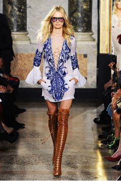 Trend - Estampa azulejo Português - Maria Alekas azulejos dress