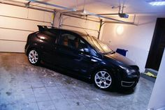 Black Ford Focus ST mk2, original 18 inch rims xenon and recaro, beautiful! #FordFocusSTClub #Focus #ST #RS