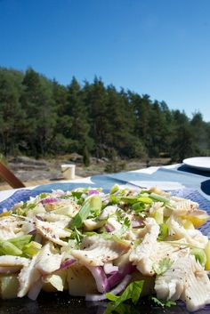 Hämmentäjä: Savuahvensalaatti. Smoked perch salad.