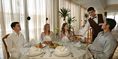 Vacanta de Revelion 2018 in Sunny Day la Hotel The Palace de 5 stele din Bulgaria New Year Holidays, Palace Hotel, Bulgaria, Sunny Days, Trip Advisor, Beautiful Places, Table Settings, Table Decorations, Home Decor