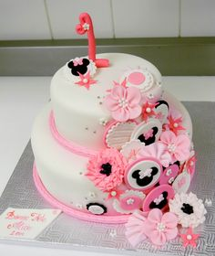 1st birthday minnie mouse inspired cake