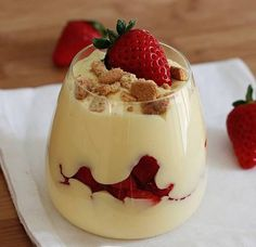 Custard Desserts, Thermomix Desserts, Gluten Free Desserts, Sweet Desserts, Sweet Recipes, Dessert Recipes, Strawberry Desserts, How Sweet Eats, My Favorite Food