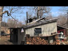 Maple syrup the modern way at Maple Leaf Farm - YouTube