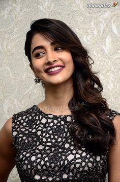 Bollywood Actress Hot Photos, Tamil Actress Photos, Bollywood Girls, Beautiful Girl In India, Most Beautiful Indian Actress, Beautiful Actresses, Hollywood Actress Photos, Glamour Ladies, Indian Actress Images