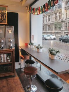 Front window seating store front ideas в 2019 г. shop front design, store f
