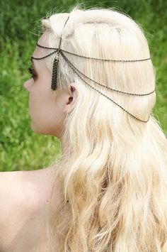 Possible DIY Hair Chain-->  http://www.etsy.com/listing/100297557/ooak-art-decoart-nouveau-brass-tassle