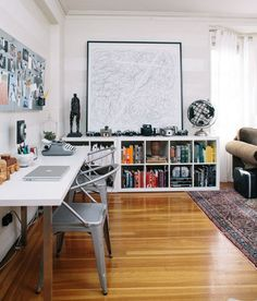 Love this home office for two. I use the Expedit bookcase in exactly the same way. Expedit Bookcase, Low Bookshelves, Ikea Expedit, Ikea Shelves, White Shelves, Long Low Bookcase, Kallax Desk, Bookshelf Ideas, Bookshelf Design