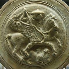 ***Medallón con Belerofonte y la Quimera, h.300-250 a.C. Londres, British Museum.