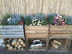 Old Wooden Crates, Wooden Diy, Wooden Crates Garden, Flower Planters, Flower Pots, Wall Planters, Concrete Planters, Hanging Planters, Wooden Flower Boxes