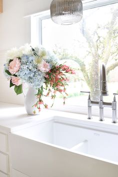 New Farmhouse Kitchen Sink Rev Fireclay Farmhouse Sink, Farmhouse Sink Kitchen, Modern Farmhouse Kitchens, Farmhouse Decor, Kitchen Cabinets, Kitchen Faucet Reviews, Best Kitchen Faucets, Yoga Garden, Small Cottage Kitchen