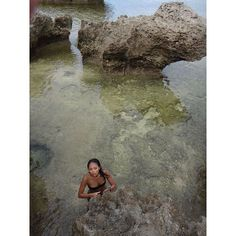 【gauchomatteo】さんのInstagramをピンしています。 《Rocks formations in a shallow bay, Iriomote. #bay #lowtide #okinawa #japan #rocks #西表島 #島 #浜 #石 #美ら海 #海 #沖縄 #夏 #浜 #ビーチ #日焼け #ビキニ #水着 #彼女 #美人 #日本人 #女の子 #旅行 #旅九#日帰り #上から #日本 #日本人 #nofilter》