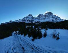 """Don't miss this one by deividsabi #landscape #contratahotel (o) http://ift.tt/1Ud8vGi cosas los acontecimientos no preven un tiempo o lugar simplemente suceden. La nieve llego cuando ya nadie la esperaba... #buenastardes ______________________________________________________________________ Y eso!! Menuda nevadica esta cayendo en Jaca en este instante mira que ha habido invierno pero esta la cosa climatologica complicada. Sera el fenomeno del """"Niño"""" ese que lo mismo sirve para la loteria que…"""