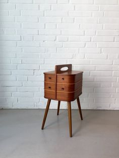 Vintage Nähkasten, Nähkasten Teak, Beistelltisch Mid Century, Made in Denmark von moovi auf Etsy