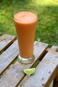 Incredibly Edible: Sweet Papaya & lime lassi