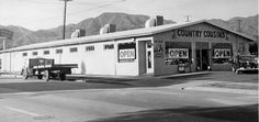 The Country Cousins Market in the Sunland-Tujunga Area, northeast of the city of Los Angeles, circa 1940s. Little Landers Historical Society. San Fernando Valley History Digital Library.