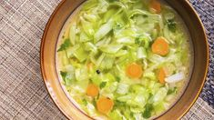 Top 5 recipes of fat burning cabbage soup for weight loss Diet Soup Recipes, Healthy Dinner Recipes, Potato Recipes, Vegetarian Recipes, Healthy Foods To Eat, Healthy Snacks, Cabbage Soup Diet, Dieta Detox, Diet Menu