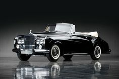 Tremendous 1965 Rolls-Royce Silver Cloud III Drophead Coupe by Mulliner Park Ward Bentley Rolls Royce, Rolls Royce Cars, Retro Cars, Vintage Cars, Antique Cars, Classic Rolls Royce, Rolls Royce Silver Cloud, Old Classic Cars, Amazing Cars
