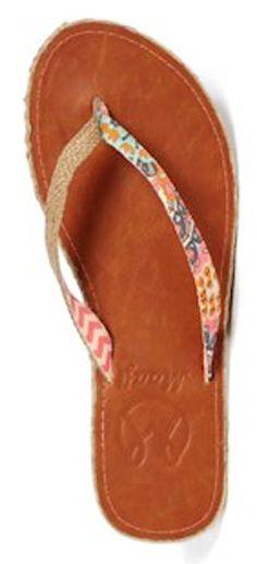 #coral chevron flip flops http://rstyle.me/n/idgbrr9te