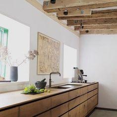 I dream about kitchens like this. #jbjinteriors #kitchen #timber #simplicity #designer #design #designers #decor #home #envy