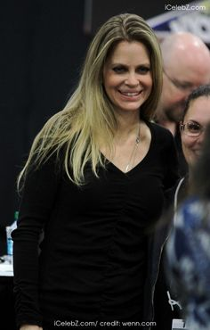 Kristin Bauer Celebrities at 2013 NY Comic Con http://www.icelebz.com/events/celebrities_at_2013_ny_comic_con/