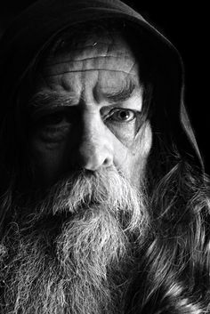 old man portrait The grey wizard contemplates a journey to Middle Earth Old Man Portrait, Foto Portrait, Portrait Art, Portrait Photography, Old Man With Beard, Old Man Face, Black And White Portraits, Black And White Photography, Male Witch