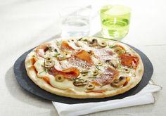 Pizza bacon, mozzarella et romarin | Croquons La Vie - Nestlé