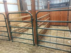 Love this for a goat barn. Two for goats, one for kidding, one for storage and or bucks. Rinder Stall, Cabras Boer, Goat Feeder, Sheep Pen, Goat Shed, Goat Shelter, Show Goats, Cattle Barn, Goat House