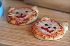 Kitty cat pizza! How adorable! Alexa would LOVE these!<3